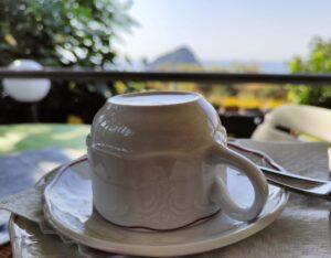 colazione sulla terrazza panoramica